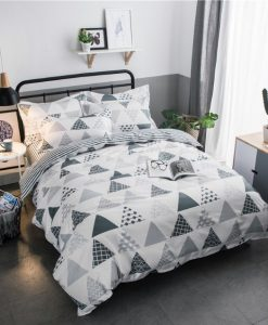 geometric triangle pattern bedding set